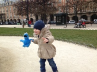 Cookie Monster in Place des Vosges--always a cheerful fellow